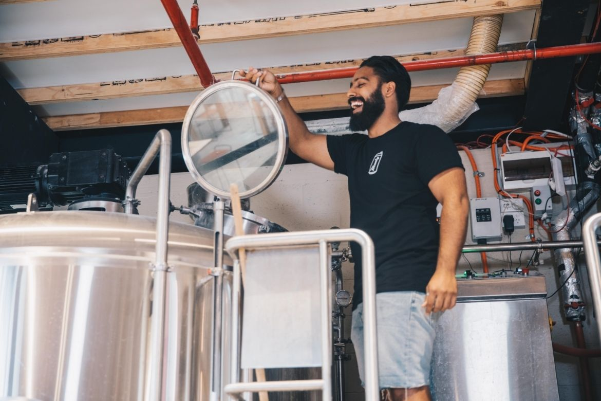 Leo brewing Manly Hops at Frenchies